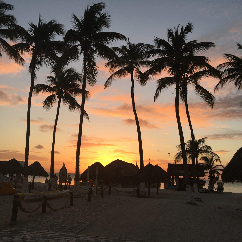 sunset-beach-aruba-vacation