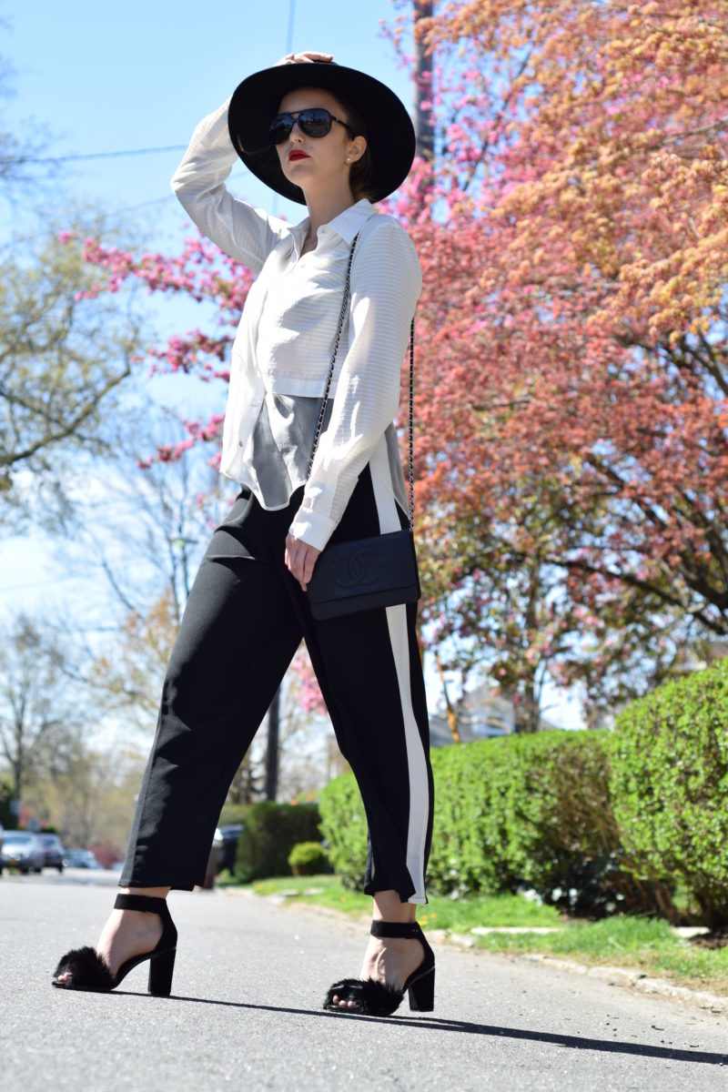 hat-blogger-style-black and white