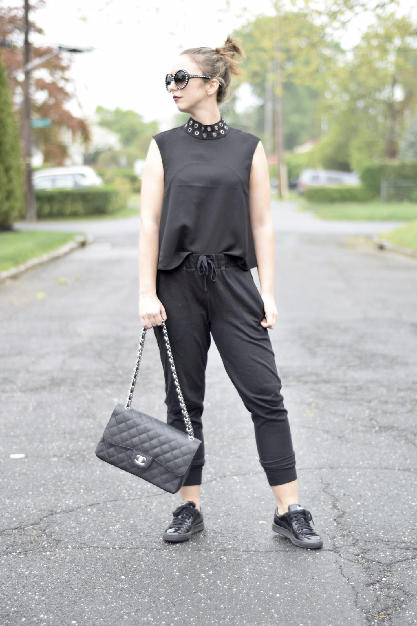 sweatpants-style-blogger-chanel