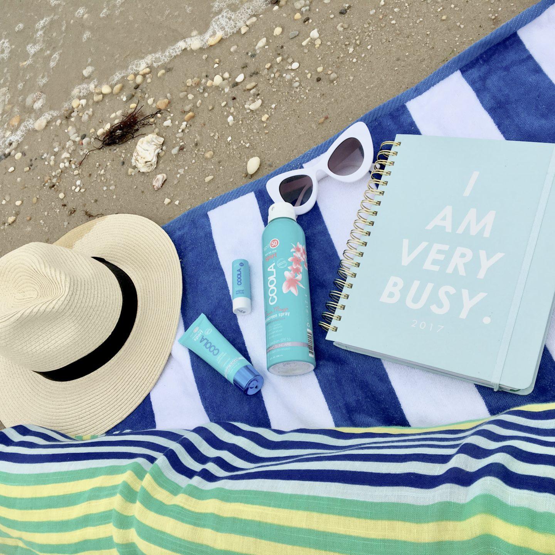 coola-sunscreen-beach-blogger