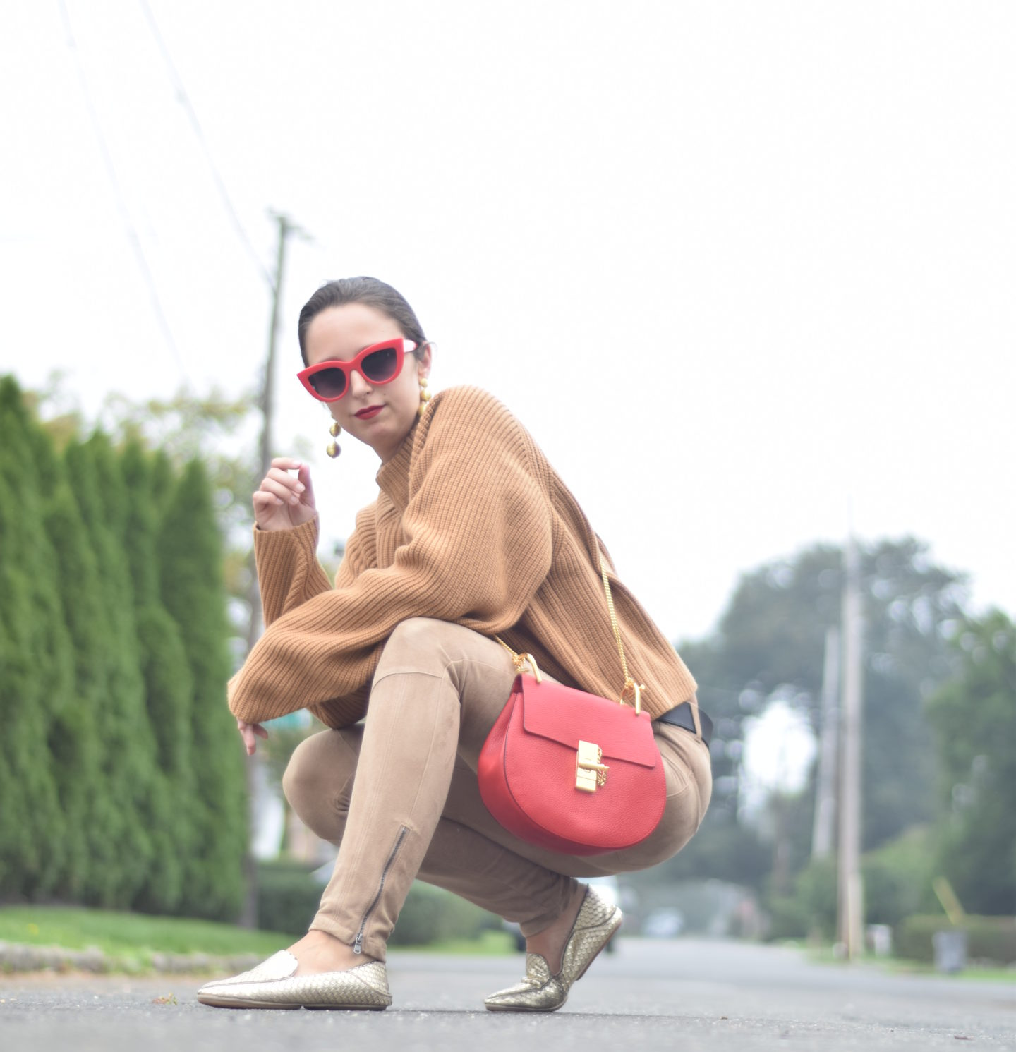 camel suede pants-hm-chloe-red sunglasses-style